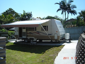 2007 MODEL 21 FOOT  SELF CONTAINED TANDEM  CARAVAN GOLD COAST.. Parkwood Gold Coast City Preview