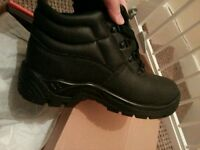 Boots size 43