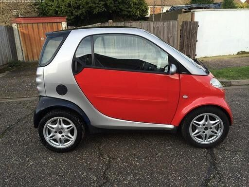 Smart Car 2011 like New full service history, body like new, panoramic roof, and all the extras