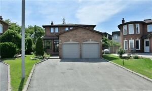 DETACH HOUSE IN MAPLE FOR SALE!