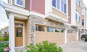 Executive townhouse ,   3 Bedrooms 2.5 Baths   Quick possession