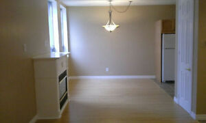 Large one bedroom condo for sale, 12 min to Orangeville & Hwy#10