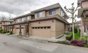Beautiful spacious 3 Level Townhouse