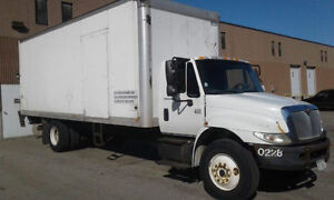 2002 Int. Straight Truck. Movers dream truck.