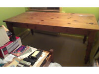 Large 1930's Pine Dining/Kitchen Table with turned legs