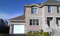 Beautiful House in Chateauguay for rent 990 !!!!!!!!!