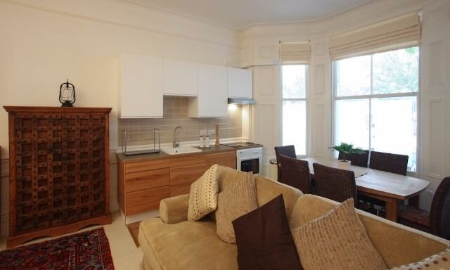 Beautifully presented one bedroomed raised ground floor flat in the heart of Kensington