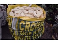 EXCELLENT FIREWOOD IN BUILDERS BAGS