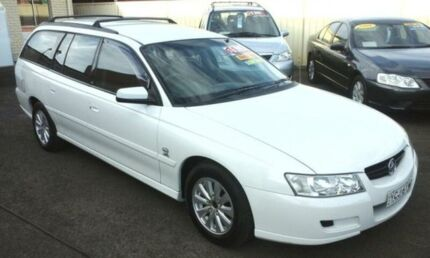 2004 Holden Commodore VZ Acclaim White 4 Speed Automatic Wagon Oak Flats Shellharbour Area Preview
