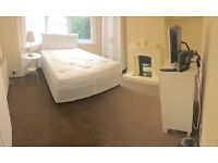 Double Room / Walthamstow Central / free wifi & Virgin Media TV (300 channels), all bills included