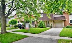 House for Sale in Aurora at St Andrews Crt