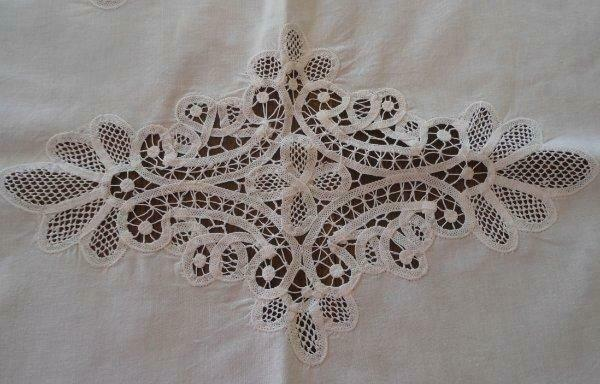 Vintage Renaissance Tape Lace Table Runner Cutwork White Linen 33""