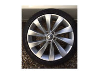 "Genuine VW 18"" Interlagos Turbine Alloy Wheel with Pirelli P Zero Tyre"