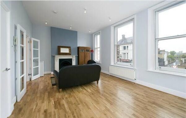 DO NOT MISS - STUNNING 2 BED - BATTERSEA RISE