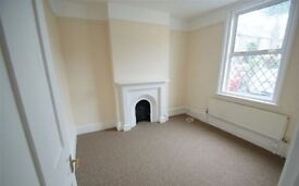 lovely 3 bedroom mews house with courtyard garden available from end Feb/mid March 5 mins to centre