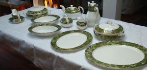 AYNSLEY CHINA DISH SET (80pieces)