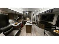 2021 Crusader Lite 28RL • 5th Wheel American Caravan RV • Arrives OCT/NOV