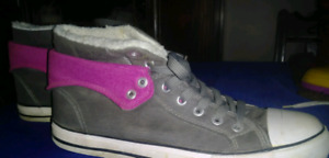 Size 10 Womens really warm winter shoes