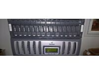 Netapp FAS 3040 + DS14 with 14 x 146 HDD FCL - fully working and licenced + Ontap