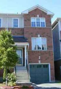 3 bed townhouse at Creditview/Britannia for rent, Oct 1st