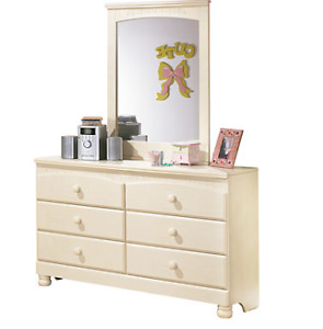 Dresser with Mirror for sale.  Almost new