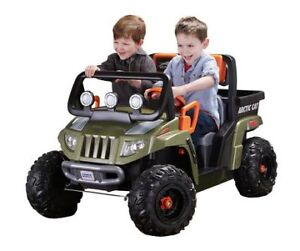Fisher-Price POWER WHEELS Arctic CAT 12 volt Ride on . New