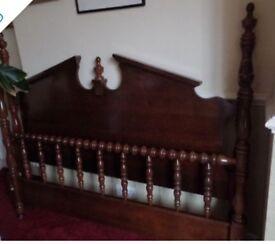 Broyhill American Furniture - Solid Oak Kingsize Bed Frame