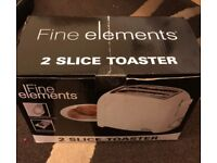 FINE ELEMENTS - TOASTER - BRAND NEW