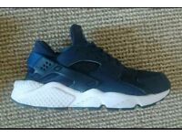 Nike huraches size 9 ex cond
