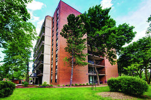 Beautiful Balconies, Renovated Units! 2 BDRM apts for Rent!