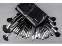 Professional MAC makeup brush set NEW SEALED 32pc