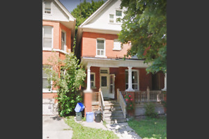 Beautiful Renovated 2 bed/2 bath by Gage park