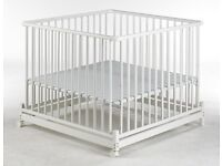 GEUTHER Europarc wooden playpen in white. FOLDABLE,WITH WHEELS (matress included)