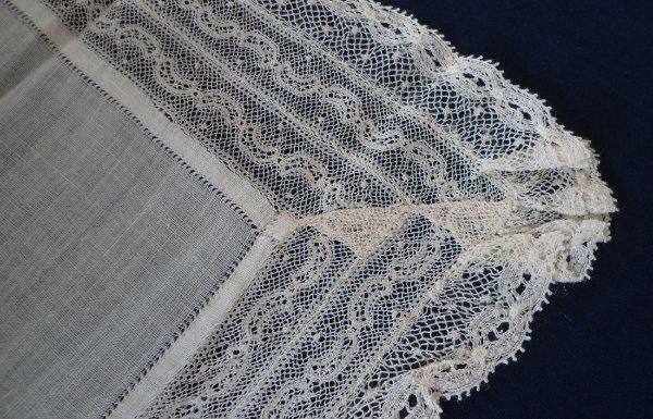 Antique Valenciennes Lace Hanky Ecru Linen Center Embroidered Net Bridal
