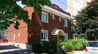 $1499 (Sept. FREE) 3 Bdrm w/ in unit laundry (near Campus!)