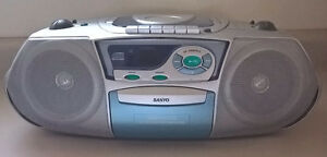 Sanyo CD Portable Radio Cassette Recorder