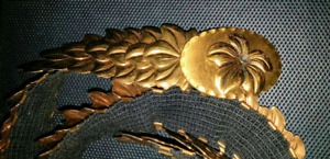 Unique Gold Coloured Metal Flower Clasp Fashion Belt