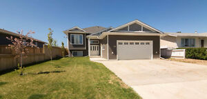 House for Sale in Slave Lake! 320 8th St SE REDUCED!!