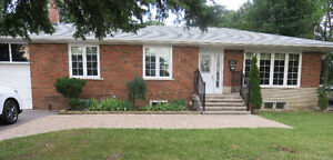 Markham Main St- 3 Bed. Main Floor Apt - Steps from Go Station!