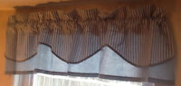BLUE/WHITE VALANCE  AlsoNEW CREAM/GREEN SHEER PANELS BLUE/WHITE
