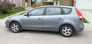 2010 Hyundai Elantra GL Hatchback - LOW KMs