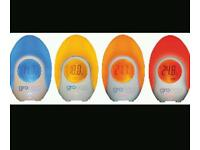 Glow egg baby's room thermometer