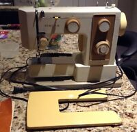 Excellent  Singer 5123 free arm sewing machine for sale