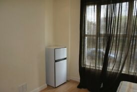 Very Spacious, Nice and Clean double room in West Croydon, Bills included.