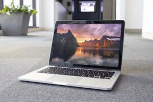 Macbook Pro 13inch Retina 2.4 i5 4GB Memory 128GB Office 2016!