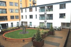 Two bed Two bath Apartment rent in Heart of Watford Town centre!! Fees Apply!!