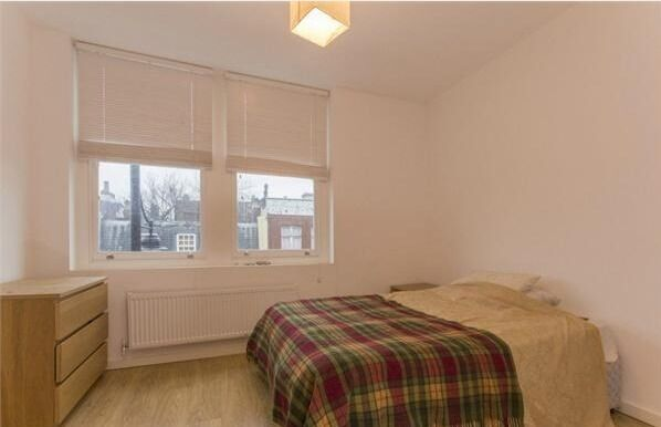 Lovely 2 Bed Flat Clapham North - £375pw