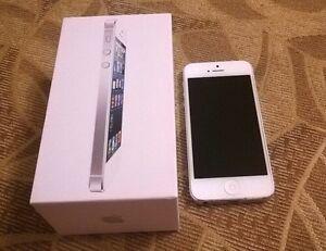 iPhone 5 16gb Unlocked/Déverrouiller