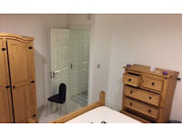 Lovely 2 bedroom property in Sutton Street London E1 Rent £450 Available NOW