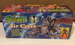 SPAWN AIR CYCLE INCLUDES PILOT SPAWN ACTION FIGURE